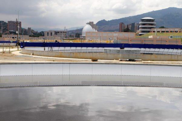 Aguas Claras Empieza A Descontaminar El Rió Medellín