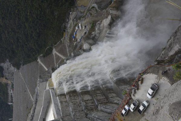 De Manera Segura Y Controlada Comenzó A Verter El Embalse Del Proyecto Hidroeléctrico Ituango