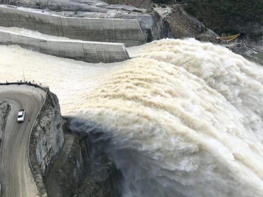 De Manera Segura Y Controlada, EPM Puso En  Operación Tres Compuertas Del Vertedero Del Proyecto Hidroeléctrico Ituango Y Cerró La Izquierda