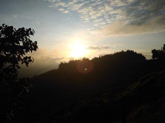 Desde La Vereda Yarumalito Disfrutando De Un Bello Amanecer