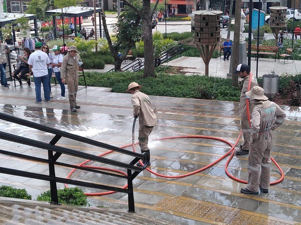 Limpieza Parque Principal De San Antonio De Prado 6
