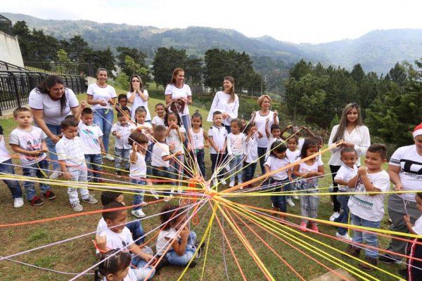 Tejiendo Hogares: Construyendo Entornos Protectores Para Niños, Niñas Y Adolescentes