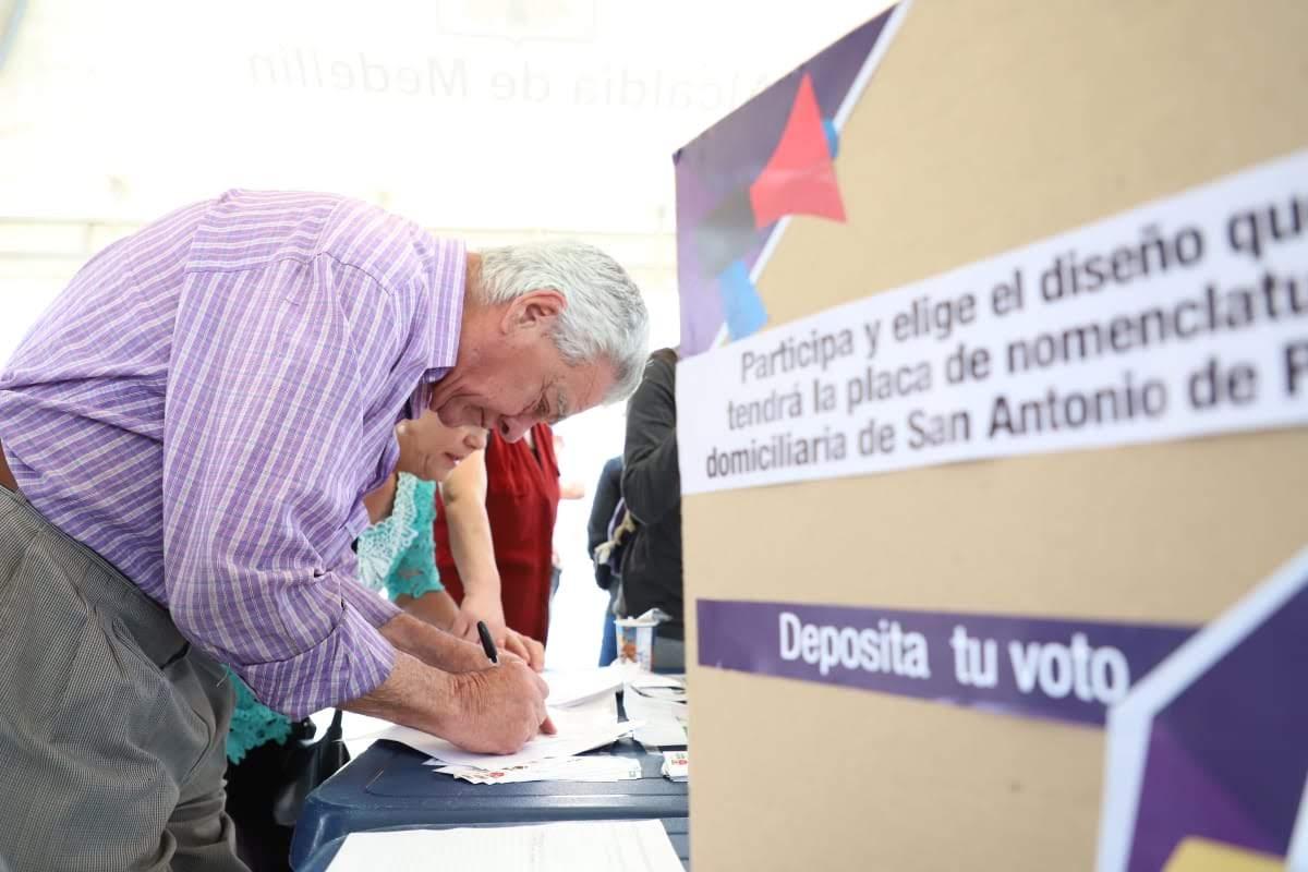 Votaciones placa nomenclatura San Antonio de Prado – foto cortesia alcaldia de Medellín