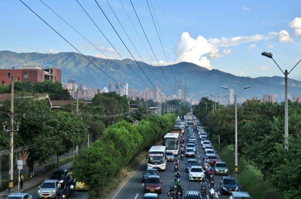 Que Opinan? Segun Estudio, Pueden Ampliar El Horario De Pico Y Placa En Medellín.