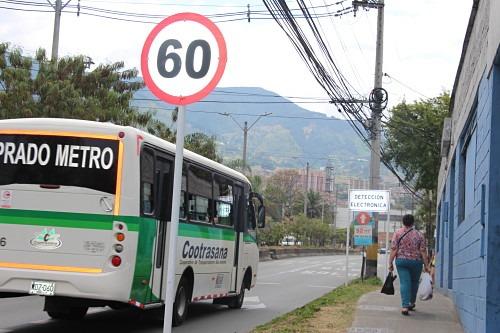 1 Detección electrónica en la calle 36 cerca al Colegio San Jose Manyanet en Itagüí