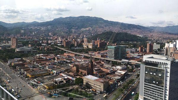 Toque de queda parcial en Medellín