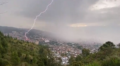 Aguacero en Medellín hoy 19 de septiembre