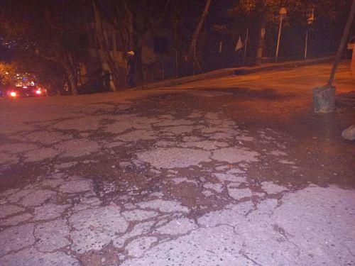 Hueco en vía calle 81 sur al Frente del Manuel Jota Betancur
