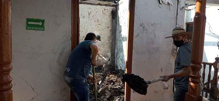 Gracias A La Gestión, EVM Votará Los Escombros Generados Por El Incendio En La Casa Cural De San Antonio De Prado