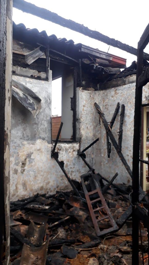 Incendio en casa Cural de San Antonio de Prado6