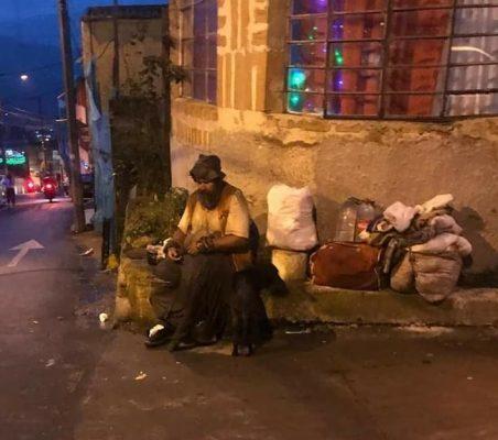 Denuncia Ciudadana: Habitante De La Calle Requiere Atención Urgente Por Parte De La Secretaría De Salud