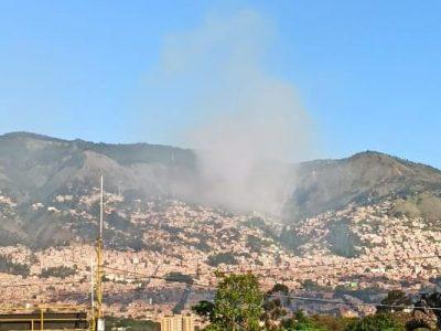 Bomberos De Medellín Atienden Incendio Forestal, En El Corregimiento De Santa Elena.