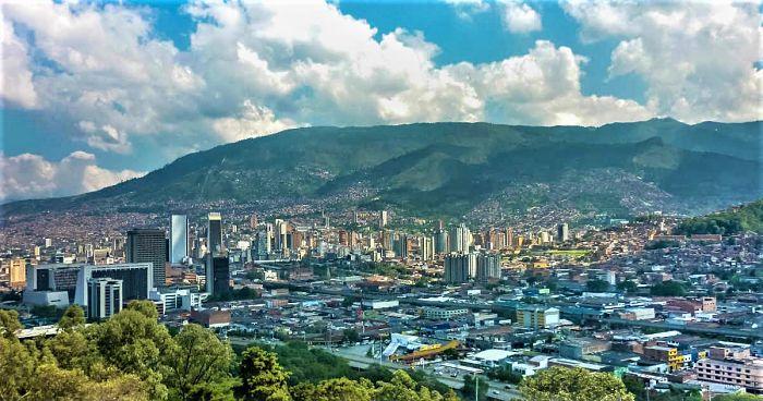 Medida Del Pico Y Cédula Para El Domingo 25 De Abril En Medellín Y El Valle De Aburrá