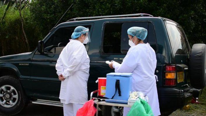 En El Municipio De La Estrella Implementan Piloto De Vacunación Contra El Covid19 Mediante Drive Thru.