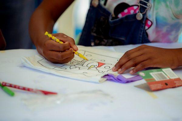 Niña De Ocho Años, Representara A Medellín En El Concurso Internacional De Arte Infantil Chuncheon, En Corea Del Sur