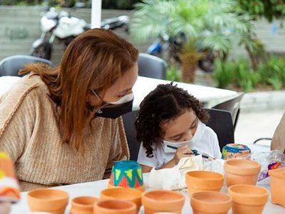 Cultura Parque Se Tomó El Centro De Medellín Para Acercar La Oferta Artística, Emprendimientos Y Talleres A La Comunidad