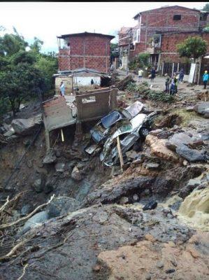 Desastres Naturales En Bello Dejan Muertos.