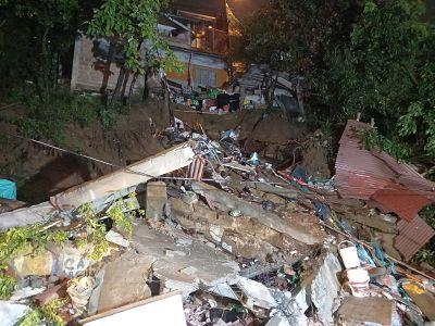 Fuertes Lluvias En Medellín Dejan Desastres En Varias Viviendas