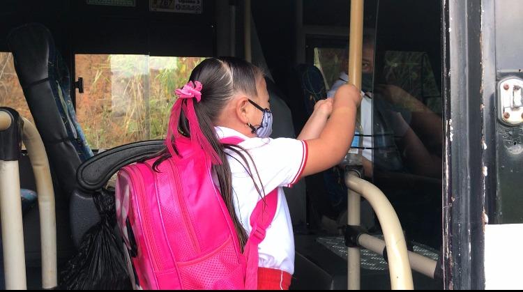 Estudiantes de San Antonio de Prado, se benefician de transporte escolar