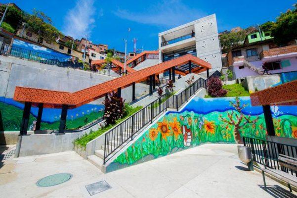 En Medellín Se Dará Diplomado De Paz Para Líderes Y Lideresas Por Medio De La Fundación Forjando Futuro.