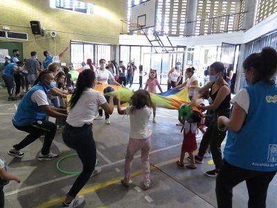 En El Barrio Santa Cruz, Se Vivió Una Jornada Lúdica Para Promover El Autocuidado En Menores De Edad