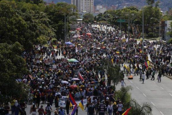 En Medellín, Quedaron 27 Heridos En Las Marchas Del 20 De Julio