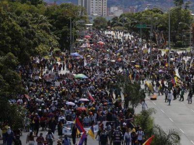 Heridos Tras Marchas En Medellín
