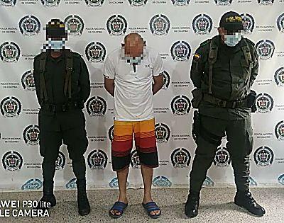 La Policía Nacional Lo Pilló Pegándole A La Esposa.