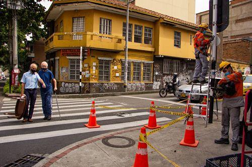Mas De 1.700 Millones De Pesos, Cuesta La Reparación De 129 Intersecciones Semafóricas De Medellín.