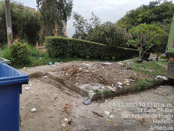 Basuras en San Antonio de Prado 2