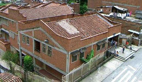 Institución Educativa San Antonio De Prado Se Une A La Lucha Contra El Covid 19 En El Corregimiento.