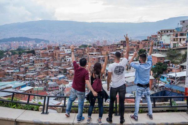 """""""Conexión Sin Fronteras"""" Un Programa Para Colombianos En El Exterior"""