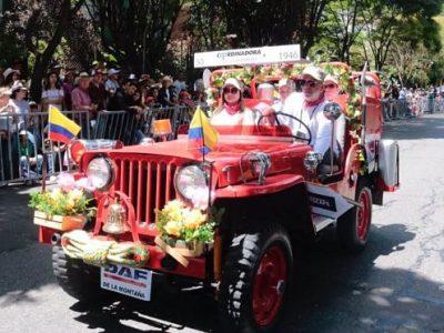 Sin Desfile,así Disfrutaron Los Paisas El Evento De Carros Antiguos