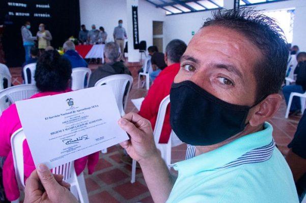 Habitantes De Calle En Medellín Se Certifican En Habilidades Laborales