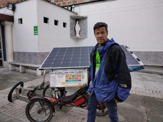 Un Francés Y Su Bici Solar Recorren Las Calles De San Antonio De Prado Y El Mundo Entero