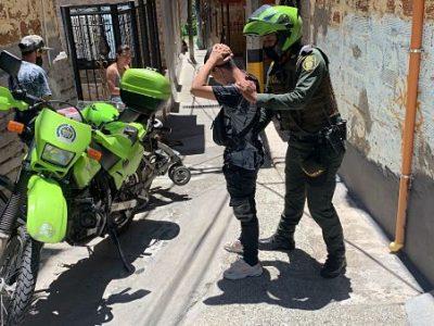 Policía Y Tránsito De Medellín Realizan Controles De Seguridad En San Antonio De Prado