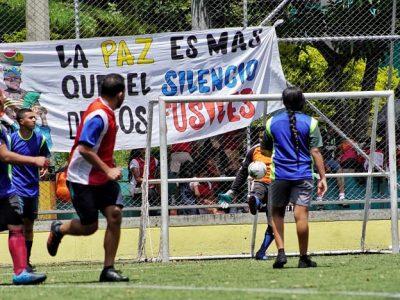 Partido De Fútbol Popular Por La Vida Y Por La Paz En Medellín