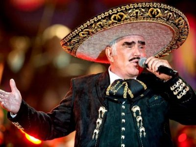 Vicente Fernández Es Declarado Con Muerte Cerebral Y Expectativas De Dos Semanas Más De Vida.
