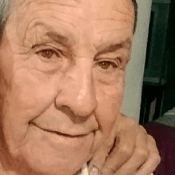 Adulto mayor se encuentra desaparecido, su familia lo busca intensamente.
