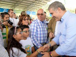 Presidente de la república revive propuesta para encarcelar de por vida a abusadores de niños en Colombia